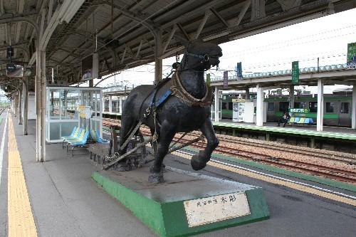 岩見沢駅馬の像